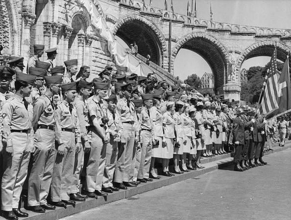 Religion「Soldiers At Lourdes」:写真・画像(17)[壁紙.com]
