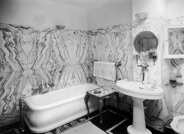Bathroom「Thirties Bathroom」:写真・画像(13)[壁紙.com]