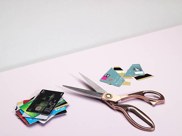 Cut up credit cards:スマホ壁紙(壁紙.com)