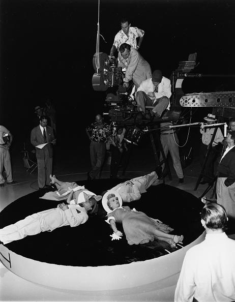 Photography Themes「D. Thomas, B. Grable On Set Of 'Call Me Mister'」:写真・画像(8)[壁紙.com]