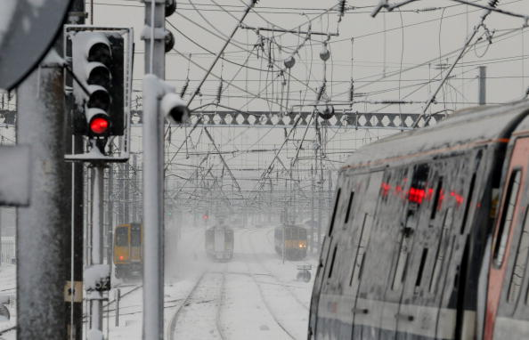 Station「Heavy Snowfall Hits Most Of The UK」:写真・画像(15)[壁紙.com]