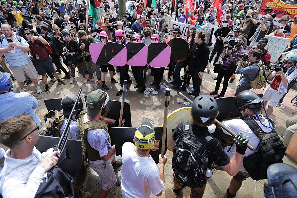 "Protest「Violent Clashes Erupt at ""Unite The Right"" Rally In Charlottesville」:写真・画像(5)[壁紙.com]"