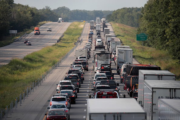 Multiple Lane Highway「Solar Eclipse Visible Across Swath Of U.S.」:写真・画像(8)[壁紙.com]