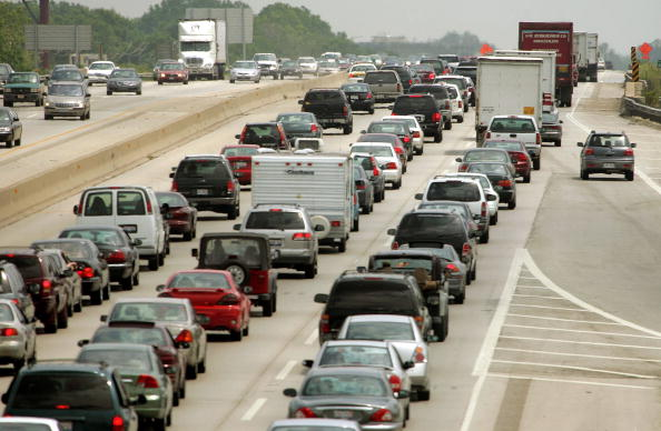 Illinois「Scores Of Travelers Depart For Long Holiday Weekend」:写真・画像(5)[壁紙.com]