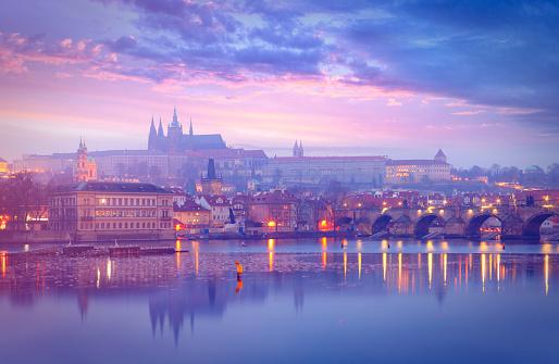 St Vitus's Cathedral「St. Vitus Cathedral and Charles Bridge in Prague」:スマホ壁紙(7)