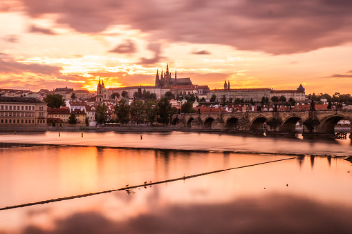 St Vitus's Cathedral「St Vitu's Cathedral and Charles Bridge at sunset in Prague」:スマホ壁紙(18)