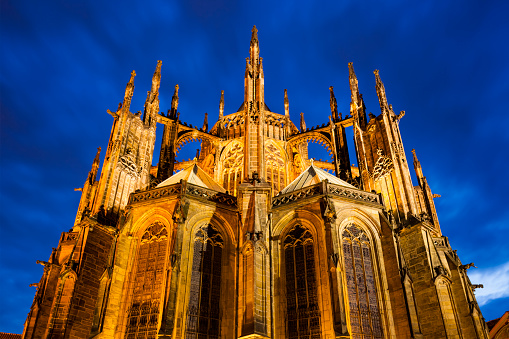 St Vitus's Cathedral「St. Vitus Cathedral at dusk」:スマホ壁紙(11)
