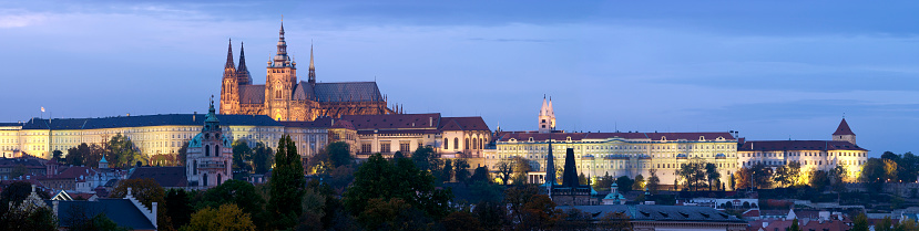 St Vitus's Cathedral「St. Vitus Cathedral and Prague Castle panorama at Dusk」:スマホ壁紙(5)
