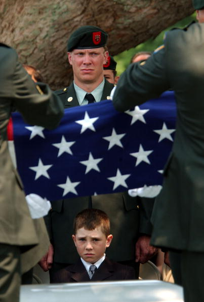 Beret「Special Forces Soldier Buried Amid Protests」:写真・画像(8)[壁紙.com]