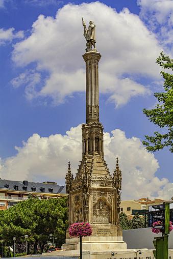 Christopher Columbus - Explorer「Christopher Columbus,Cristobal Colon Monument in Plaza colon, Madrid」:スマホ壁紙(12)