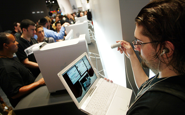 Apple Macintosh「New Mac Products Displayed At Macworld Expo In New York」:写真・画像(19)[壁紙.com]