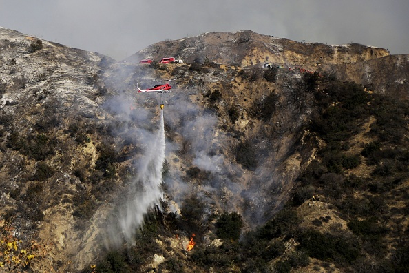 Azusa - California「Brush Fire Threatens Residential Neighborhood Near Glendora」:写真・画像(8)[壁紙.com]
