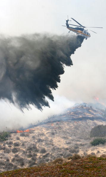 California State Route 1「Santa Ana Winds Stoke Wildfires In Southern California」:写真・画像(14)[壁紙.com]