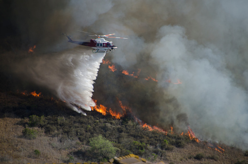 Battle「Helicopters Fighting California Wildfire」:スマホ壁紙(4)