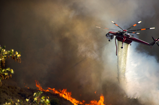 Battle「Helicopters Fighting California Wildfire」:スマホ壁紙(1)