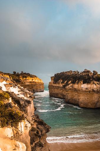 ビーチ「南オーストラリア州で湖と渓谷の海岸線」:スマホ壁紙(19)