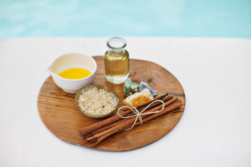 Health Spa「Bath salts and massage oils at poolside」:スマホ壁紙(0)