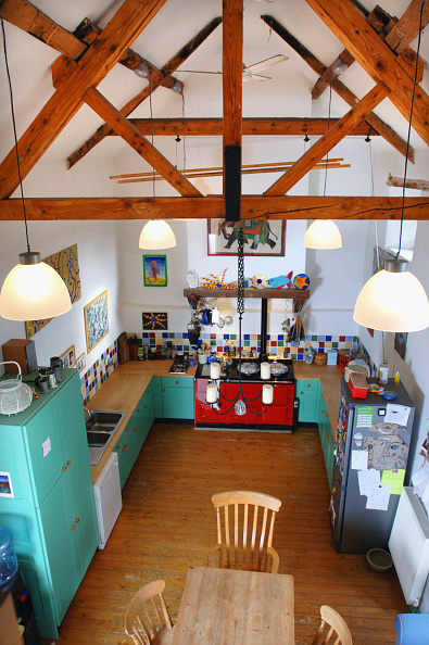 Kitchen「Barn conversion in Gloucestershire, UK. The open ceiling in the kitchen.」:写真・画像(16)[壁紙.com]
