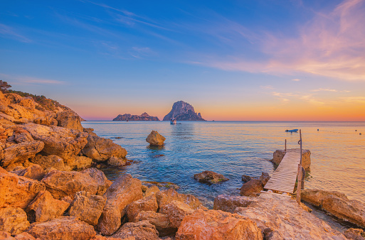 Balearic Islands「Pier and beautiful landscape at Cala d´Hort on Ibiza」:スマホ壁紙(18)