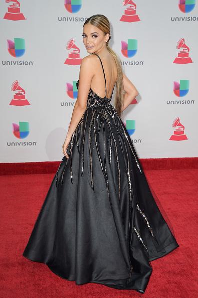 MGM Grand Garden Arena「The 18th Annual Latin Grammy Awards - Arrivals」:写真・画像(11)[壁紙.com]