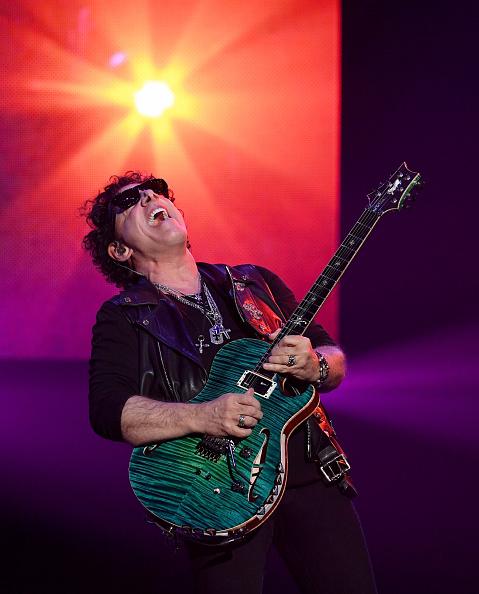 Neal Schon「Journey Begins Second Residency At The Hard Rock In Las Vegas」:写真・画像(3)[壁紙.com]