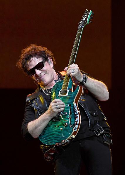 Neal Schon「Journey Begins Second Residency At The Hard Rock In Las Vegas」:写真・画像(1)[壁紙.com]