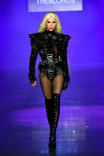 Disney「Disney Villains x The Blonds - Runway - September 2018 - New York Fashion Week: The Shows」:写真・画像(16)[壁紙.com]