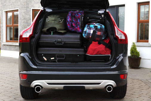 Luggage「Bags in boot of car」:スマホ壁紙(13)