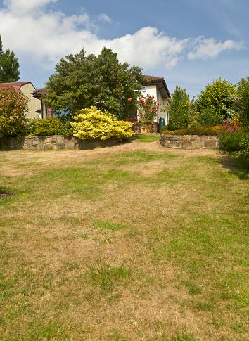Arid Climate「Parched lawn through lack of rain, England PR」:スマホ壁紙(0)