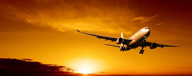 Approaching「XL jet airplane landing at sunset」:スマホ壁紙(7)