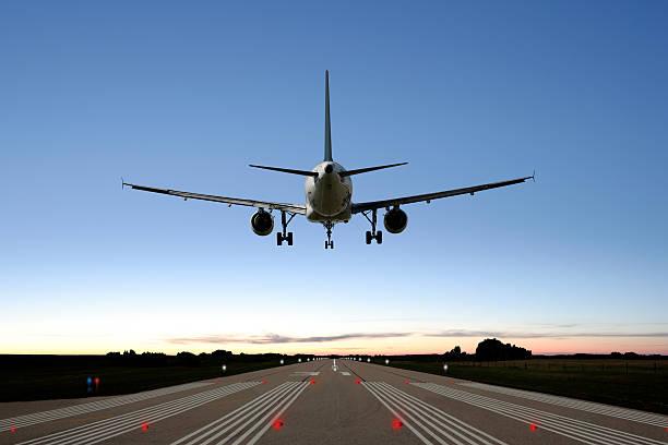 XXL jet airplane landing:スマホ壁紙(壁紙.com)