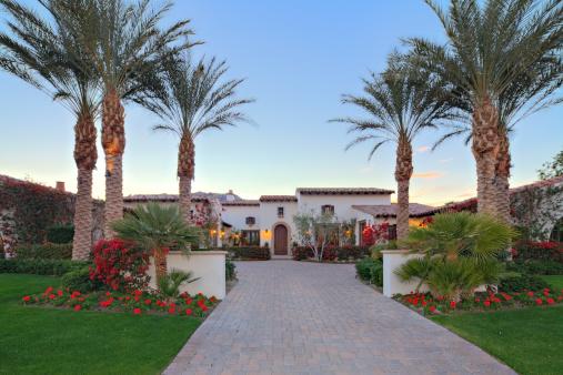 California「Front entrance facade of luxury villa」:スマホ壁紙(19)