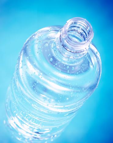 透明「Water bottle」:スマホ壁紙(18)