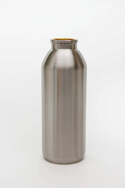 Water bottle:スマホ壁紙(壁紙.com)