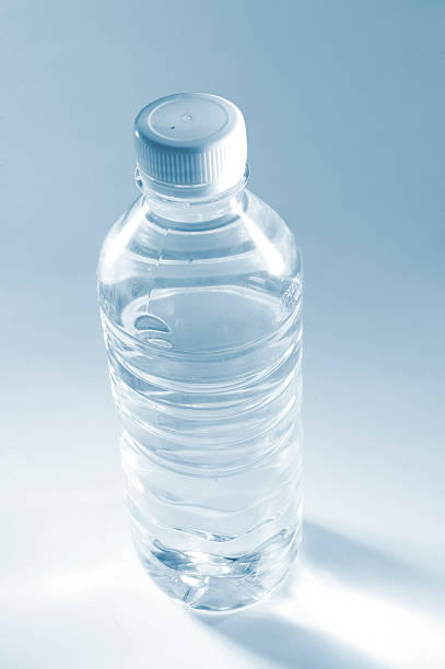 Water Bottle Four:スマホ壁紙(壁紙.com)