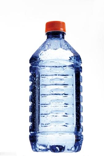 Droplet「Water bottle, close-up」:スマホ壁紙(10)