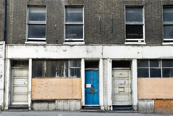 Boarded Up「Neglected shopfronts, London, UK」:写真・画像(8)[壁紙.com]