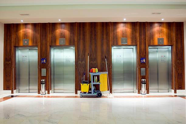Cleaning Cart at the elevators:スマホ壁紙(壁紙.com)