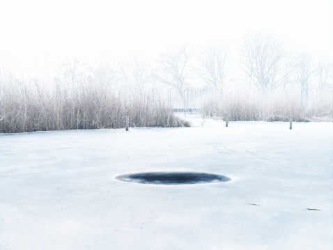 North Holland「plain ice hole」:スマホ壁紙(11)
