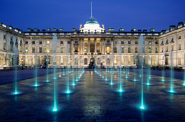 Somerset House「View of Somerset House at night, London, United Kingdom.」:写真・画像(3)[壁紙.com]