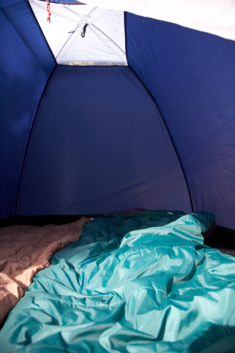 Dome Tent「two sleeping bags inside a small two man tent」:スマホ壁紙(18)