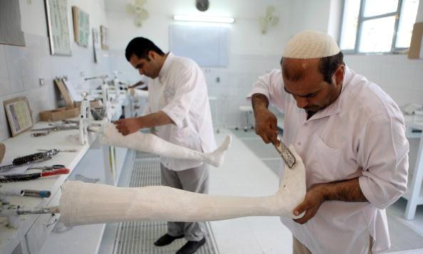 Kabul「Landmine Victims Receive Treatment At The ICRC Rehabilitation Centre」:写真・画像(10)[壁紙.com]
