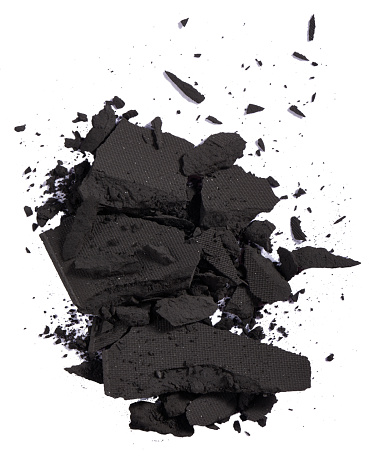 Girly「A close-up beauty image of a sample of black eye shadow」:スマホ壁紙(10)