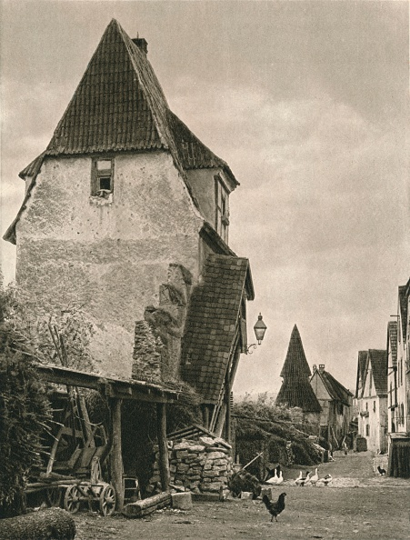 Individuality「Sulzfeld a. Main - Town Wall, 1931」:写真・画像(11)[壁紙.com]