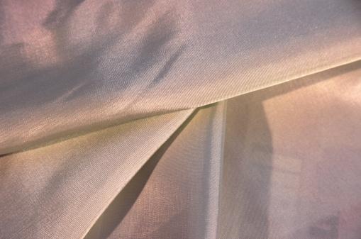 モノクロ「sepia coloured silk」:スマホ壁紙(18)