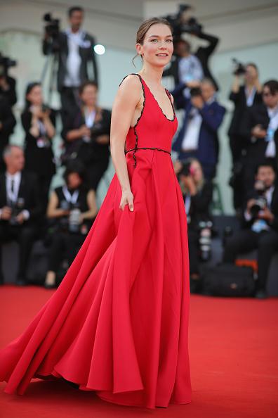 Hannah Gross「The Mountain Red Carpet Arrivals - 75th Venice Film Festival」:写真・画像(8)[壁紙.com]