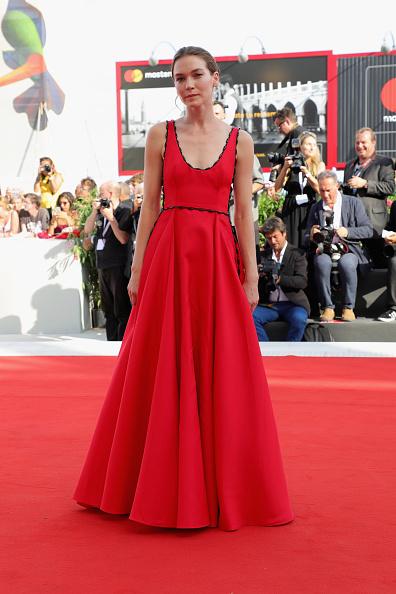 Hannah Gross「The Mountain Red Carpet Arrivals - 75th Venice Film Festival」:写真・画像(3)[壁紙.com]