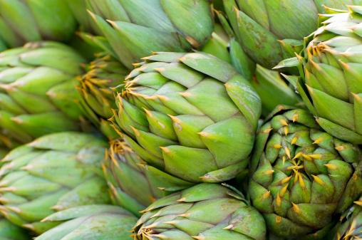 Piedmont - Italy「Artichokes on market stall, Turin, Italy」:スマホ壁紙(10)