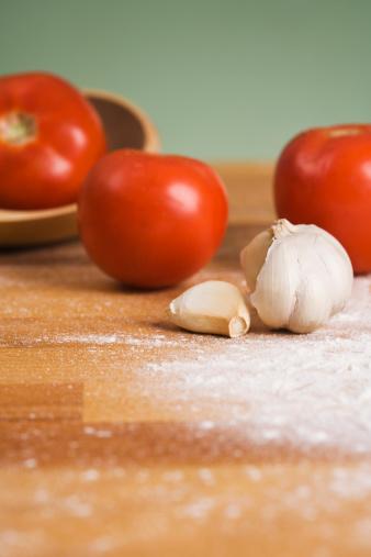 Garlic Clove「Tomatoes and garlic clove」:スマホ壁紙(19)