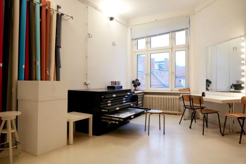 Filing Cabinet「Workspace of a loft」:スマホ壁紙(6)